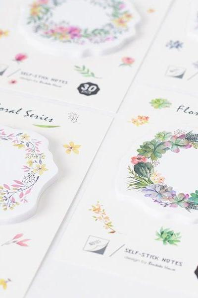 Floral Hoop Wreath Sticky Notes | Flower Memo Notes | Feminine Sticky Notes | Memo Pad | Adhesive paper | Notepad| Stickies | Back to School